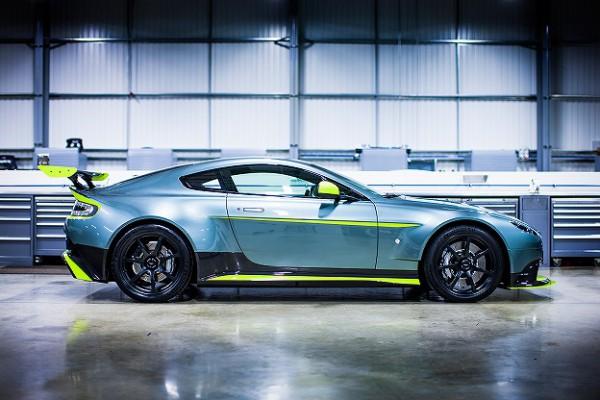 Aston Martin_Vantage GT8_03