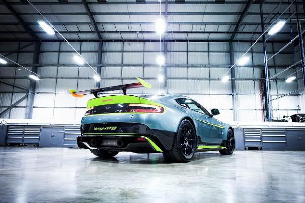 Aston Martin_Vantage GT8_06