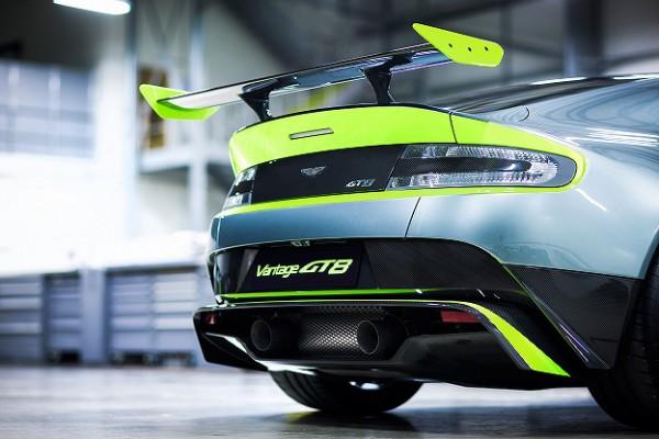 Aston Martin_Vantage GT8_08