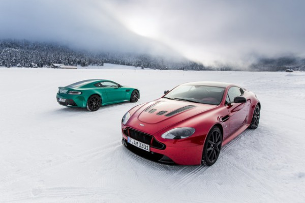 s_Aston%20Martin%20on%20Ice%20(2)[1]