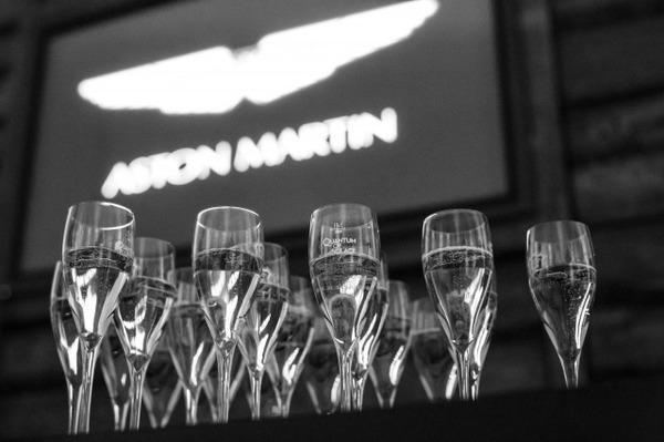 s_Aston Martin on Ice 2013 4