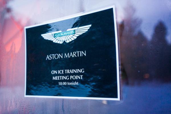 s_Aston Martin on Ice 2013 5