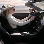 2007-Aston-Martin-V8-Vantage-Roadster-Woman-Driving-1024x768