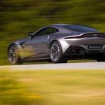 JPG Small-Aston Martin Vantage 2017-3