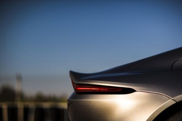 Aston Martin Vantage_Tungsten Silver_12