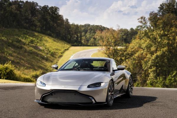s_Aston Martin Vantage_Tungsten Silver_18