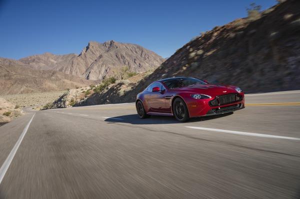 V12 Vantage S Volcano Red 12