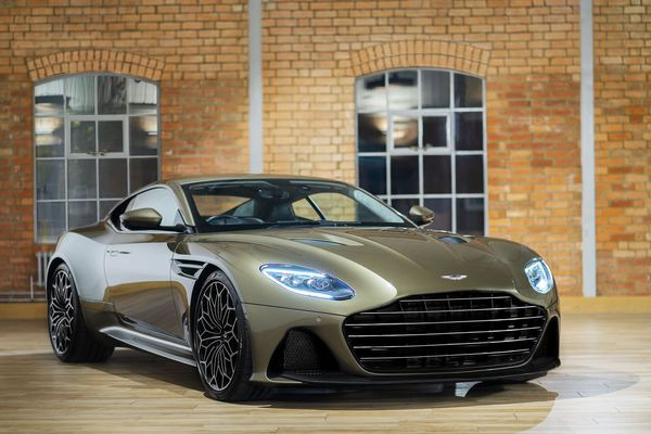 JPG Medium-DBS Superleggera On Her Majesty's Secret Service (1)