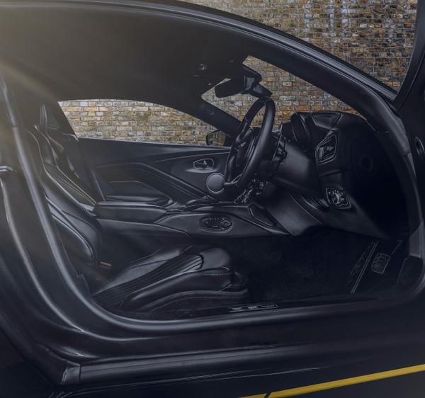 Aston Martin Vantage 007 Edition_10