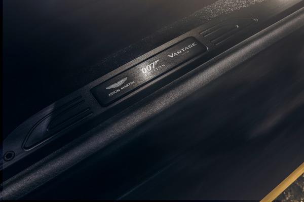 Aston Martin Vantage 007 Edition_15
