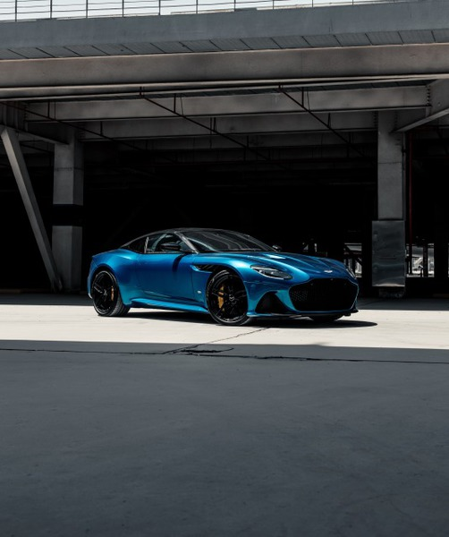 DBS Superleggera blue 3